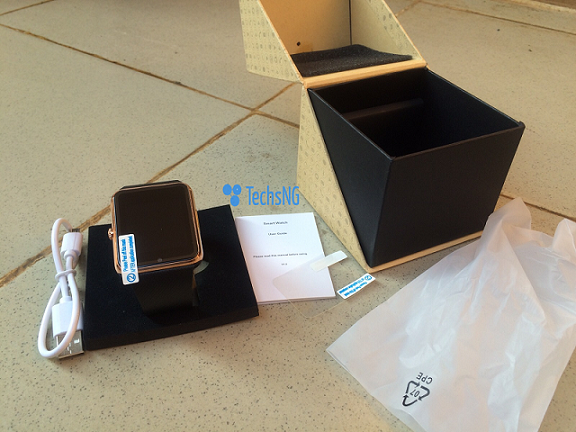 GT08 Smartwatch unboxed