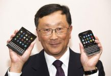 John Chen giving out blackberry phones