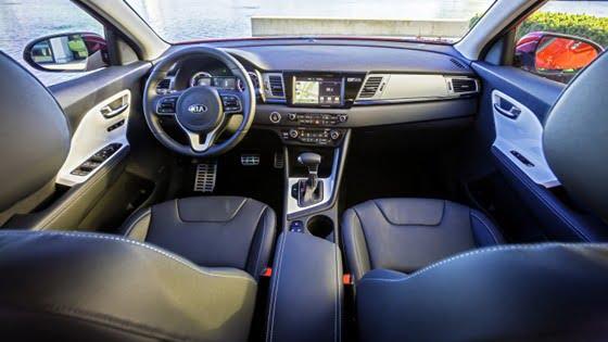 2017 Kia Niro Hybrid interior view