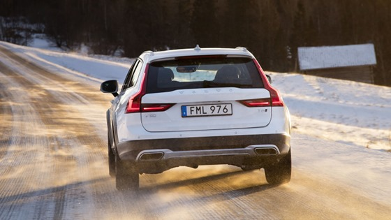 2017 volvo v90 cross country faced back view